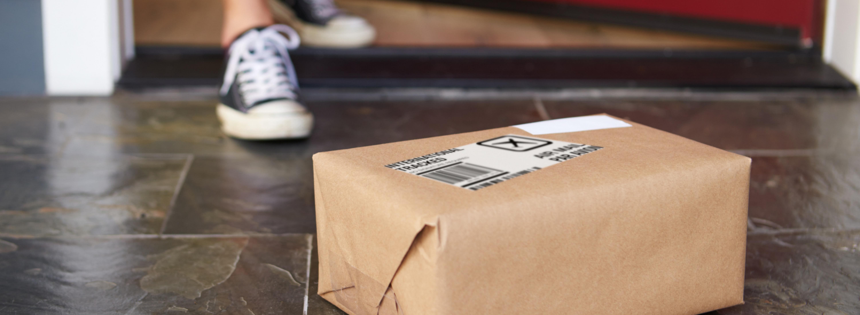  parcel delivery outside door